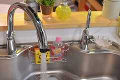 センサー式で水が出ます。浄水器も付いています。(2015-02-05,共用部,KITCHEN,4F)