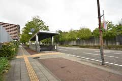 地下鉄東西線・台原駅の様子。駅の反対側に森林公園があります。(2016-08-18,共用部,ENVIRONMENT,1F)