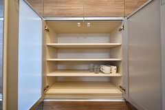 食器棚の様子。(2017-05-01,共用部,KITCHEN,1F)