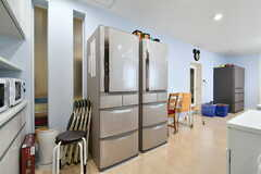 冷蔵庫は4台設置されています。(2018-02-28,共用部,KITCHEN,1F)