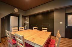 セミナールームは扉で仕切ることもできます。(2015-09-28,共用部,LIVINGROOM,1F)