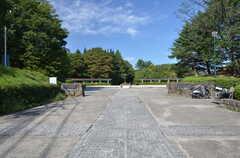 駅の反対側に森林公園があります。(2015-09-28,共用部,ENVIRONMENT,1F)