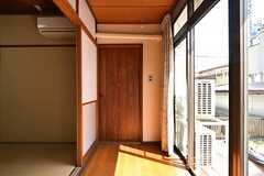 広縁のドアも締め切りです。(102号室)(2016-04-27,専有部,ROOM,1F)