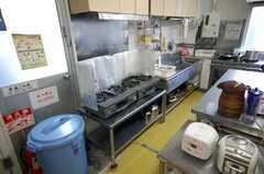 シェアハウスのキッチンの様子2。(2008-03-31,共用部,KITCHEN,1F)