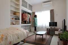 専有部の様子。(202号室)※家具類は入居者さんの私物です。(2012-09-29,専有部,ROOM,2F)