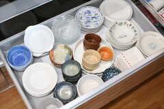 シンク下には食器類が収納されています。(2019-04-08,共用部,KITCHEN,1F)
