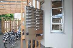 集合ポストと宅配ボックスの様子。(2014-09-02,周辺環境,ENTRANCE,1F)