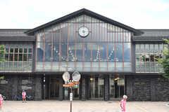 しなの鉄道・中軽井沢駅の様子2。図書館を併設しています。(2018-06-30,共用部,ENVIRONMENT,1F)
