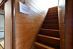 階段の様子。(2017-07-22,専有部,ROOM,1F)