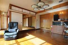 リビングの様子。和室スペースと併設されています。(2014-01-28,共用部,LIVINGROOM,1F)