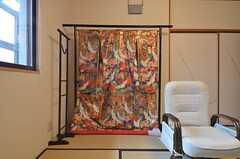 着物が飾られています。(102号室)(2015-07-30,専有部,ROOM,1F)