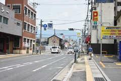 シェアハウス周辺の様子2。各線・奈良駅まで走るバス停が近くにあります。(2018-07-17,共用部,ENVIRONMENT,1F)