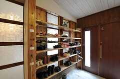 靴箱の様子。(2012-01-15,周辺環境,ENTRANCE,1F)