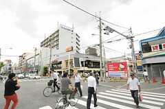 近鉄奈良線・八戸ノ里駅前の様子。(2013-07-01,共用部,ENVIRONMENT,1F)