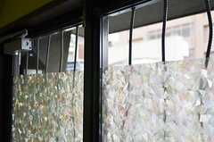 外から見えないようガラスにはフィルムが貼られています。(2011-11-09,周辺環境,ENTRANCE,1F)