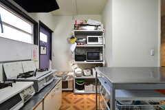 キッチンの様子2。(2011-11-09,共用部,KITCHEN,1F)