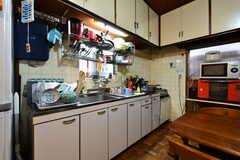 キッチンの様子。(2017-10-13,共用部,KITCHEN,1F)