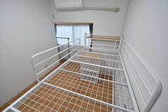 ベッドに上がるとこんな感じ。(101号室)(2016-10-01,専有部,ROOM,1F)