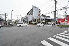 近鉄奈良線・八戸ノ里駅前の様子。(2016-10-01,共用部,ENVIRONMENT,1F)