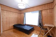 専有部の様子。山小屋のような雰囲気です。(102号室)(2016-08-08,専有部,ROOM,1F)