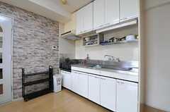 キッチンの様子。(201号室)(2012-08-19,共用部,KITCHEN,2F)