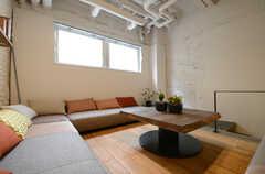 小上がりのソファスペースの様子。(2013-03-29,共用部,LIVINGROOM,2F)