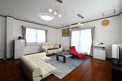 リビングの様子。ゆったりと腰掛けられるソファが用意されています。(2018-04-27,共用部,LIVINGROOM,4F)