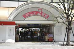 阪急宝塚本線・池田駅周辺の様子。(2018-03-27,共用部,ENVIRONMENT,1F)