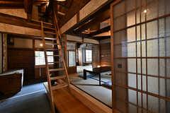 居間の前には階段があります。(2017-07-12,共用部,OTHER,2F)