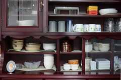 食器棚の様子。(2015-04-01,共用部,KITCHEN,1F)