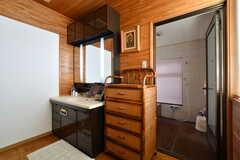 脱衣室の様子。洗面台が設置されています。(2018-03-13,共用部,WASHSTAND,1F)