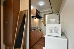玄関脇のキッチン。(2016-09-12,共用部,KITCHEN,1F)