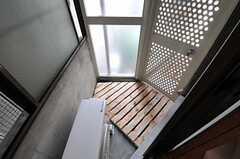 ベランダの様子。(202号室)(2011-08-08,専有部,ROOM,2F)