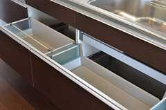 キッチンの収納。(2013-07-01,共用部,KITCHEN,8F)