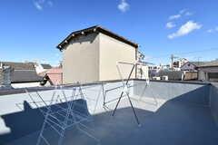 屋上の様子。洗濯物が干せます。(2017-12-12,共用部,OTHER,3F)