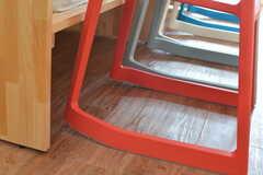 「Tip Ton」は、座る角度によって椅子の傾き方が変わります。立ち上がるときにも体をサポートしてくれます。(2016-03-09,共用部,LIVINGROOM,3F)