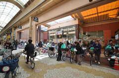 鶴見橋商店街1番館内にあるスーパーの様子。(2016-03-15,共用部,ENVIRONMENT,1F)