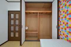 収納の様子。(202号室)(2015-08-11,専有部,ROOM,2F)