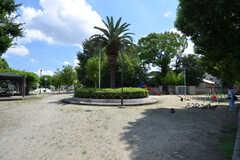 近くには公園があります。(2015-09-02,共用部,ENVIRONMENT,1F)