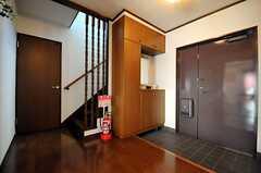内部から見た玄関周りの様子。(2010-10-10,周辺環境,ENTRANCE,7F)