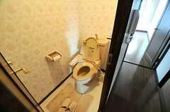 ウォシュレット付きトイレの様子。(2010-10-10,共用部,TOILET,8F)