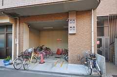 自転車置き場の様子。(2013-01-31,共用部,GARAGE,1F)
