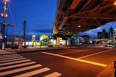 JR関西本線・東部市場前駅からシェアハウスへ向かう道の様子。(2013-01-31,共用部,ENVIRONMENT,1F)