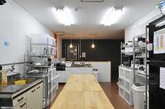 キッチンの様子3。(2013-09-13,共用部,KITCHEN,2F)