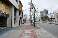 シェアハウスから大阪市営地下鉄谷町線・都島駅へ向かう道の様子2。(2013-09-13,共用部,ENVIRONMENT,1F)