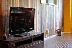 共用のTVの様子。(2014-02-02,共用部,LIVINGROOM,2F)