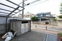 マンションのゴミ置き場の様子。(2011-08-08,共用部,GARAGE,1F)
