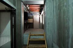 屋上へ続く廊下の様子。(2012-09-15,共用部,OTHER,8F)