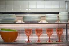 食器棚はオープンタイプの箇所もあります。(2013-04-30,共用部,KITCHEN,3F)