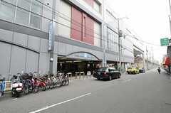 シェアハウスから阪神なんば線・出来島駅の様子。(2013-04-01,共用部,ENVIRONMENT,1F)
